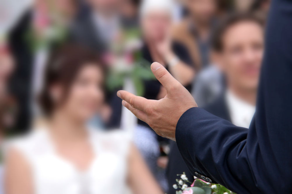 Making a Wedding Speech for Your Brother: A Guide for Success